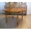 Table ronde en bois fin