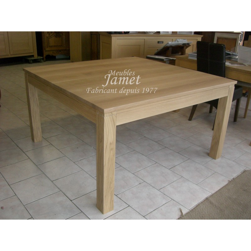 Fabricant meuble normand table en bois massif carr for Agencement cuisine carree
