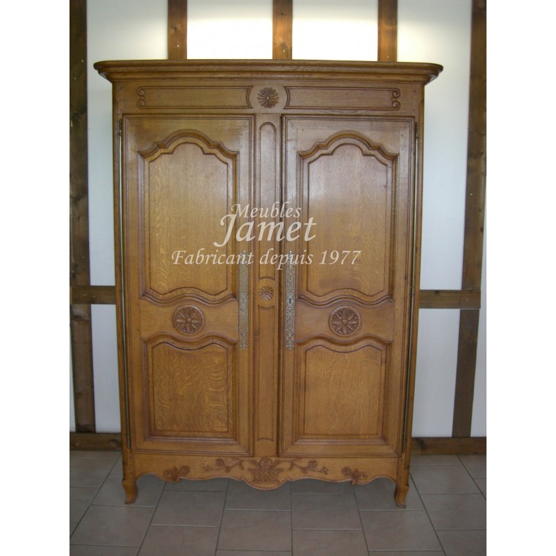 petite armoire normande en bois meubles jamet. Black Bedroom Furniture Sets. Home Design Ideas