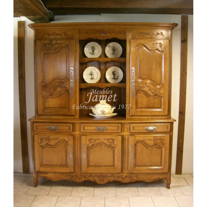 Buffet vaisselier en bois sculpt meubles jamet for Buffet vaisselier