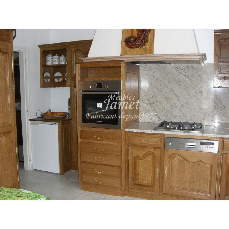 Cuisine rustique en bois terne meubles jamet for Cuisine rustique bois