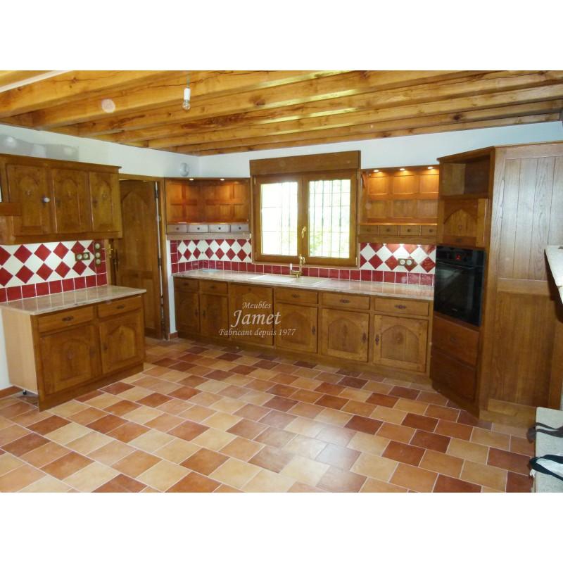 Cuisine rustique en bois four central meubles jamet - Meuble de cuisine rustique ...