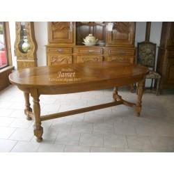 Table ovale dessus en épis